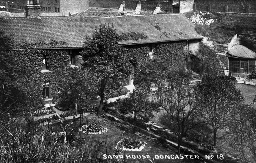 sandhouse1